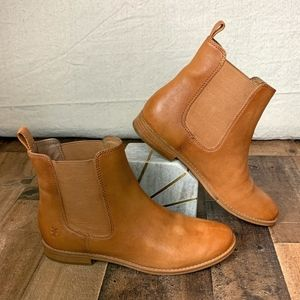 FRYE Anna Chelsea Boot in Cognac Leather EUC